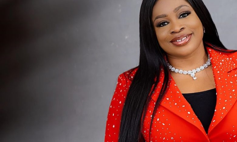 """Sinach has released """"All Things Are Ready"""" a new praise song"""