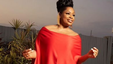 Photo of Sinach Becomes First African Gospel Artiste To Top The Billboard Chart.