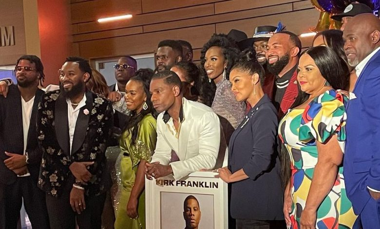 """Photo of Kirk Franklin Surprised With A Gold Plaque For His Song """"Love Theory"""" At The Stellar Awards"""